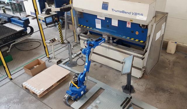 robotyzacja pras krawędziowych stertech integrator